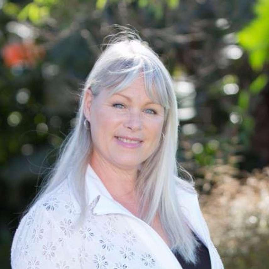 Julie Halligan