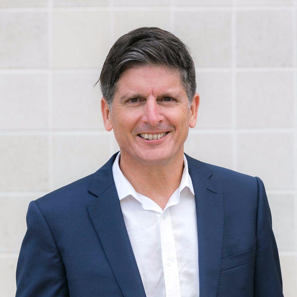 Real Estate Sales Consultant Roy Schwenke