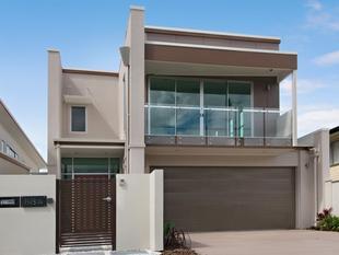 Stunning Brand New Family Home - Bulimba