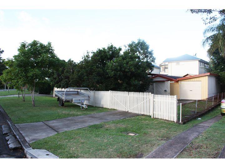 8 Redcar Street, Bulimba, QLD