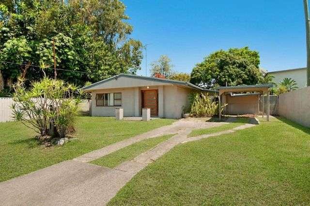 143 Allambi Avenue, BROADBEACH WATERS, QLD 4218