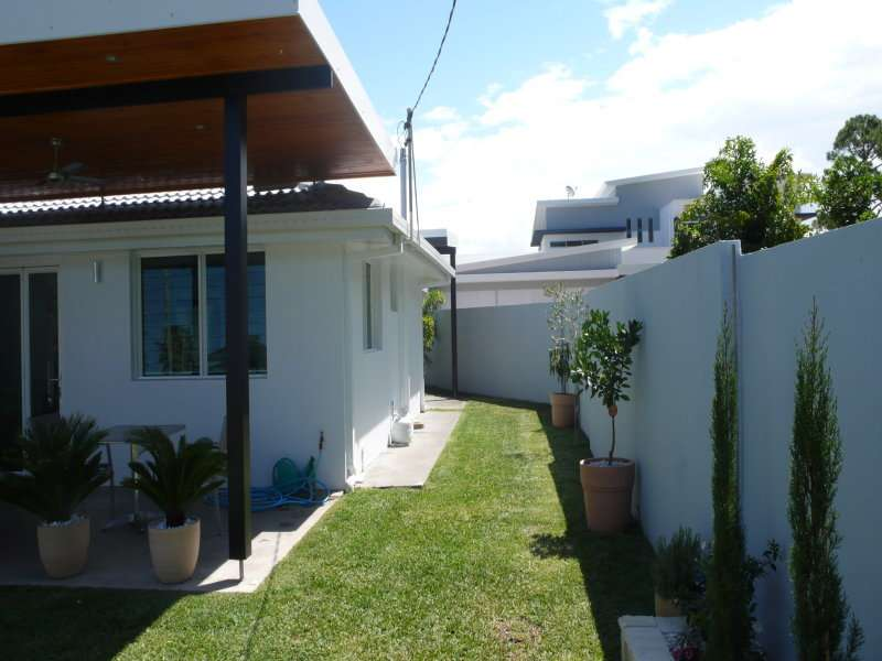 49 Allambi Avenue, BROADBEACH WATERS, QLD 4218