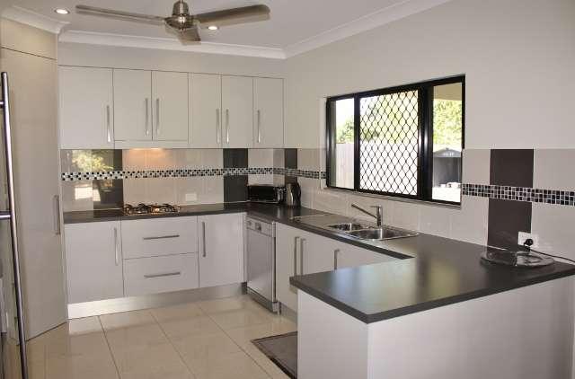 12 Kingsley Close, WHITE ROCK, QLD 4868
