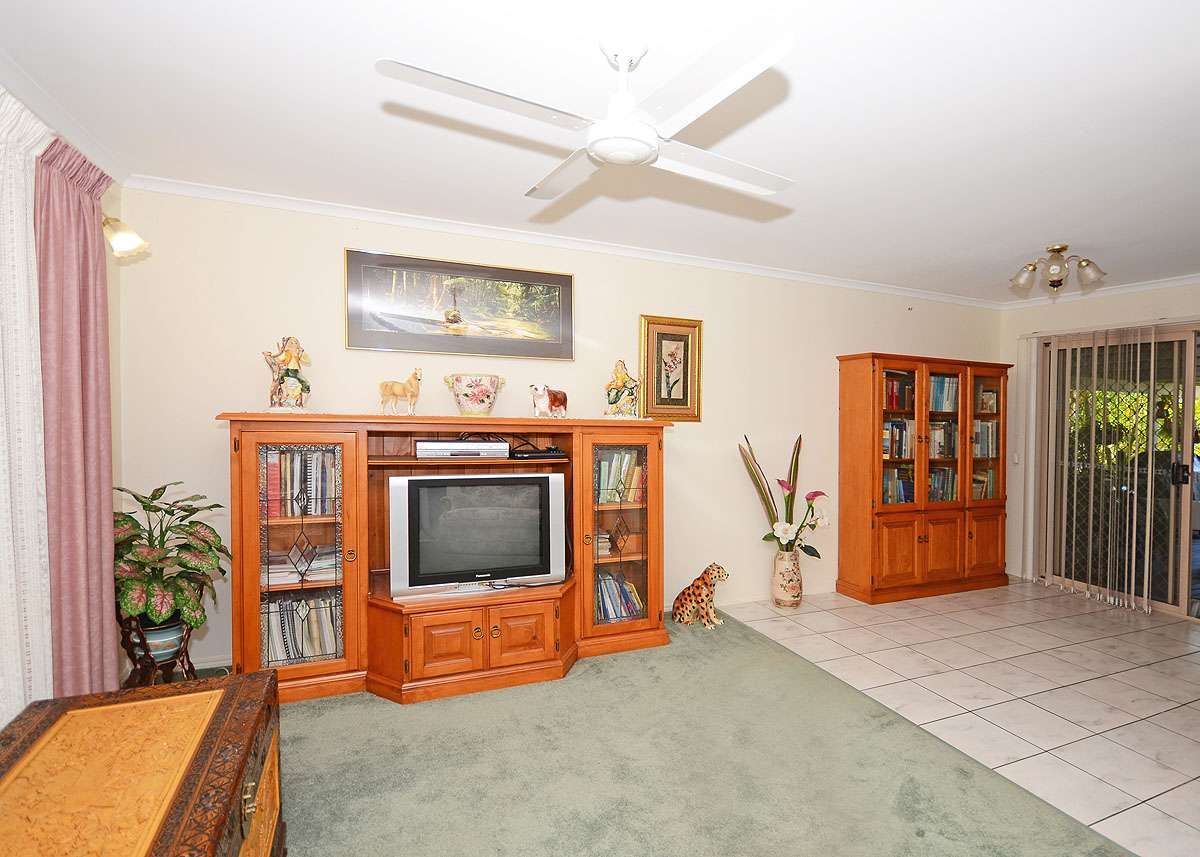 7 Parkway Drive, SCARNESS, QLD 4655