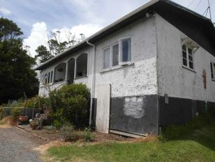 Free House with harbour views - Oakleigh