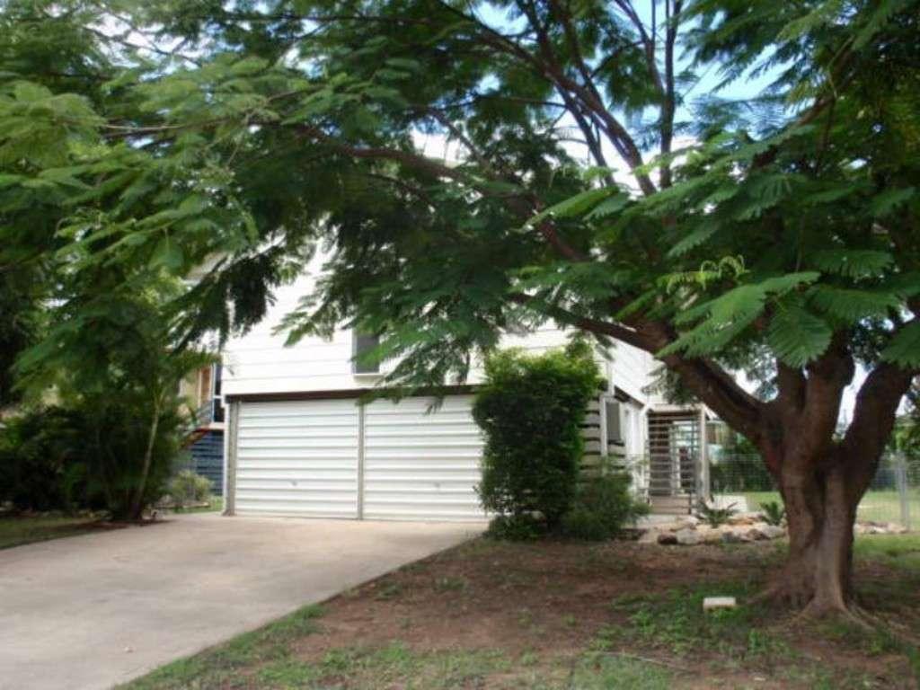 30 Colleen Avenue, EMERALD, QLD 4720
