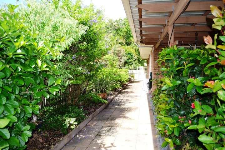 10 Meledie Avenue, KAWUNGAN, QLD 4655