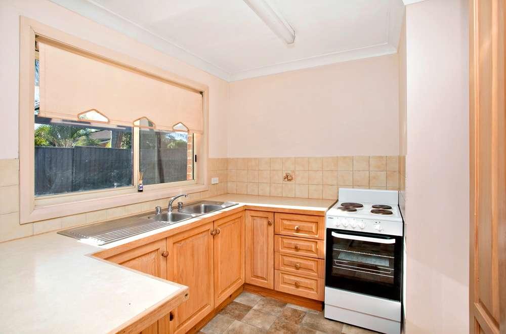 2/16 Winnifred Street, MCGRATHS HILL, NSW 2756