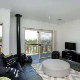 Thumbnail of 7 Drayton Place, THE GAP, QLD 4061