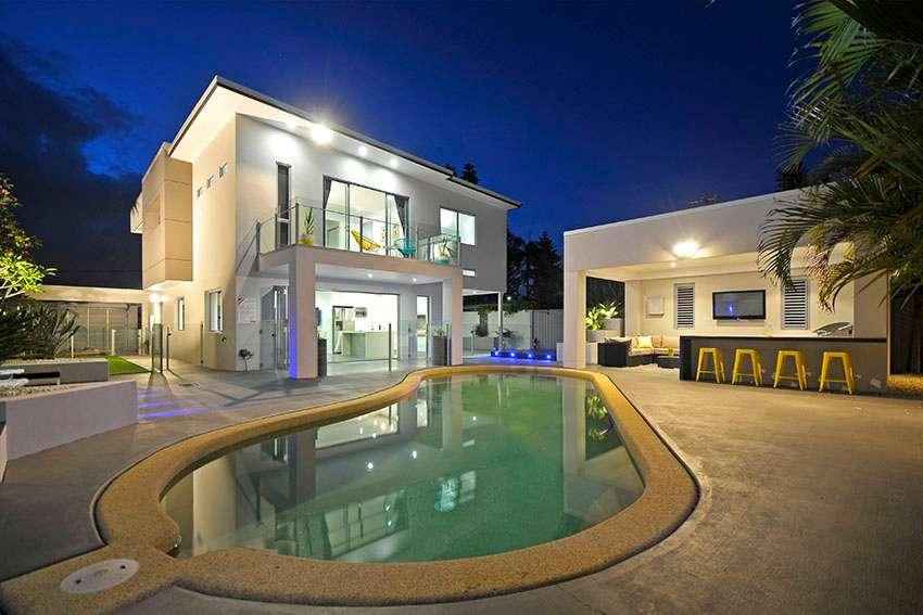 22 Lakeside Avenue, Broadbeach Waters, QLD 4218