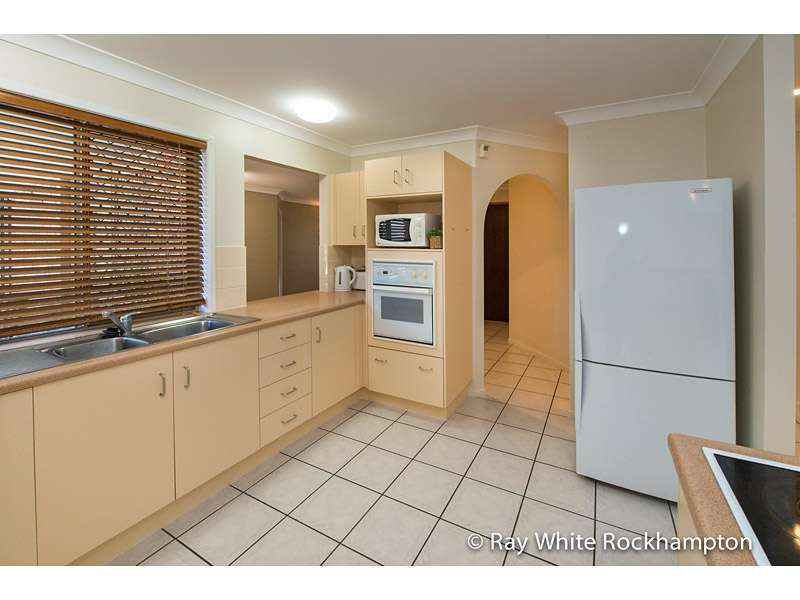 13 Royes Crescent, NORMAN GARDENS, QLD 4701