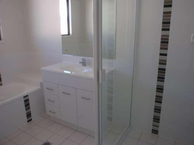 7 Newman Drive, EMERALD, QLD 4720