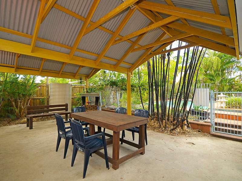 24 Boongala Road, BROADBEACH WATERS, QLD 4218