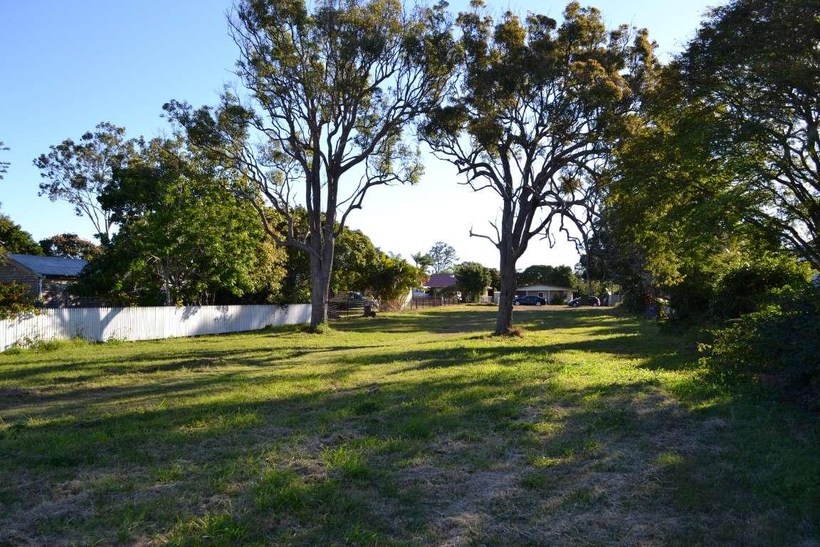 11 Beach Road, PIALBA, QLD 4655