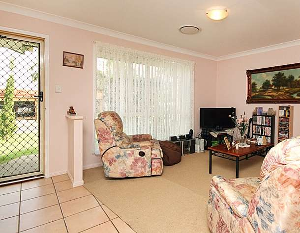 4 Bowerbird Close, DOOLANDELLA, QLD 4077