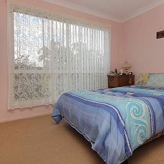 Thumbnail of 4 Bowerbird Close, DOOLANDELLA, QLD 4077