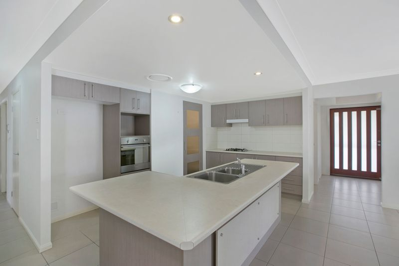 100 beach street cleveland qld residential house sold