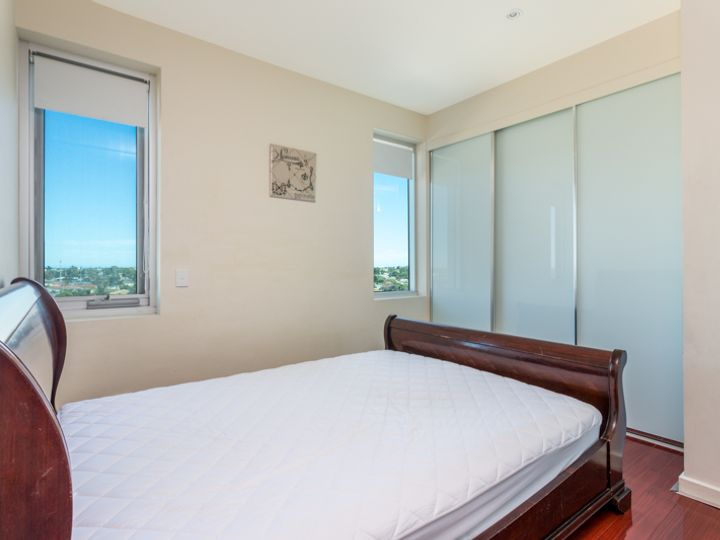 615/1-2 Tarni Court, New Port, SA