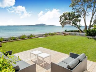 Absolute beachfront luxury - Milford