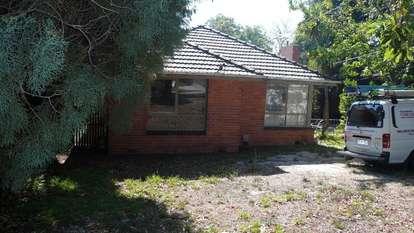 35 Lynden Grove, Mount Waverley