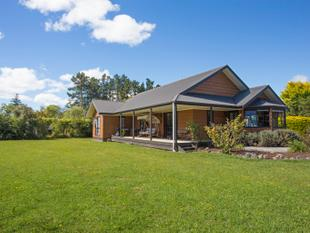 REDUCED Now Asking $434,000! Country Living, Town Benefits! - Ashhurst