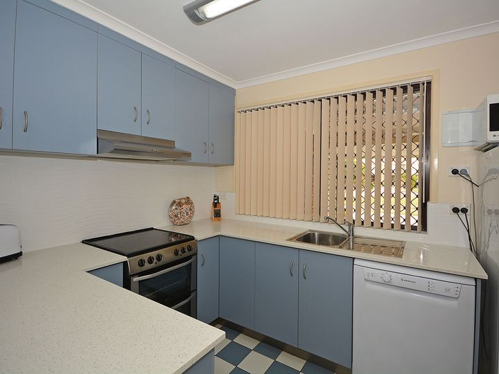 4/12 Denmans Camp Road, Torquay, QLD