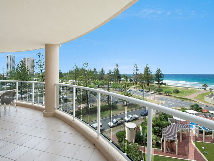 59 Pacific Street, Main Beach, QLD