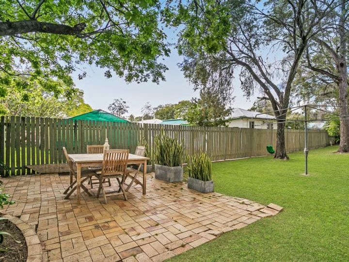 6 Logan Avenue, Oxley, QLD