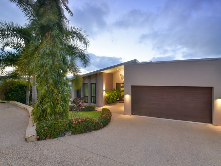 12 Whitehaven Crescent, Cannonvale, QLD