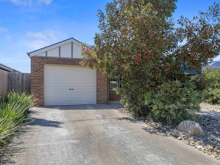 1/11 Michael Court, Grovedale, VIC
