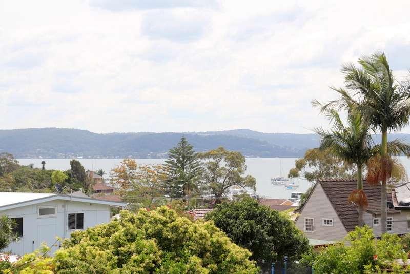 35 Patrick Crescent, Saratoga, NSW 2251