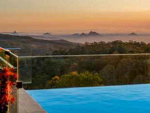 Stunning Executive Home.....A Sanctuary To Unwind & Relax - Mount Mee