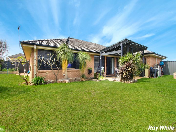 4 Penterong Way, Haywards Bay, NSW