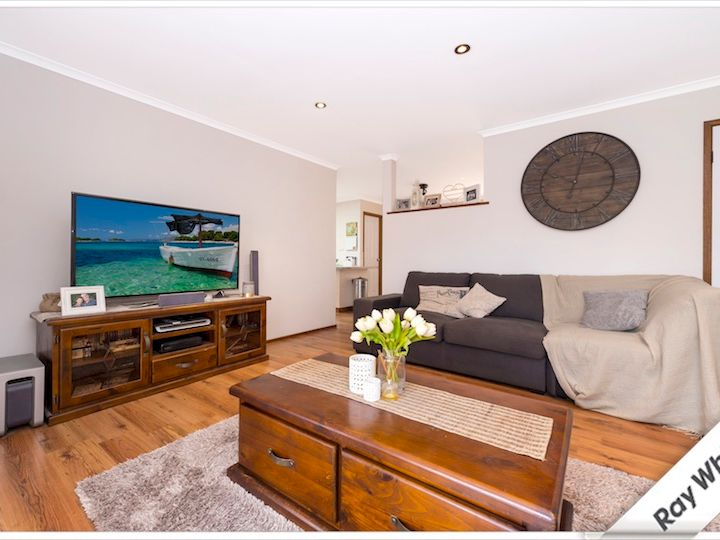 2/3 Lappin Place, Gordon, ACT