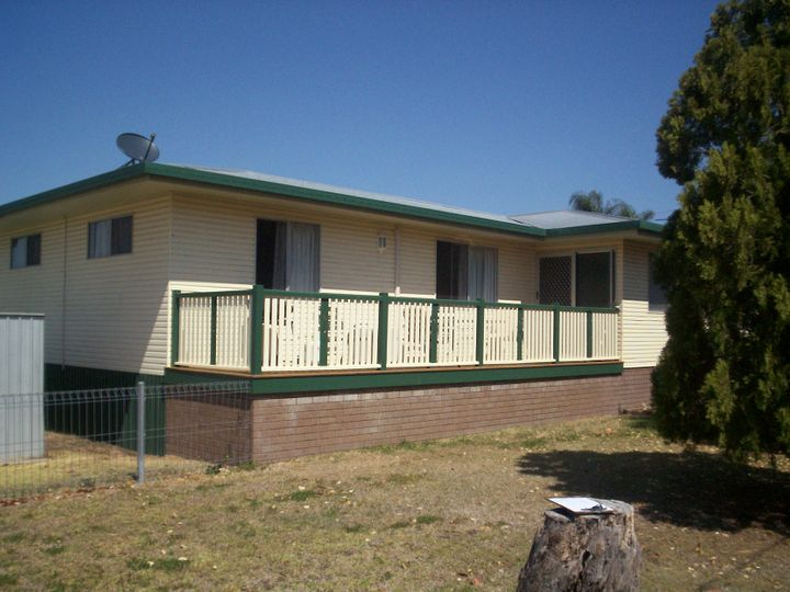 2 Thomas Street, Pittsworth, QLD