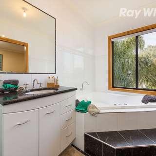 Thumbnail of 1 O'Mahony Close, Lavington, NSW 2641