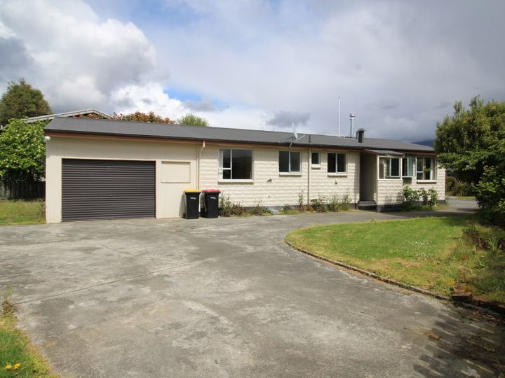 11 Henry Street, Te Anau, Southland District