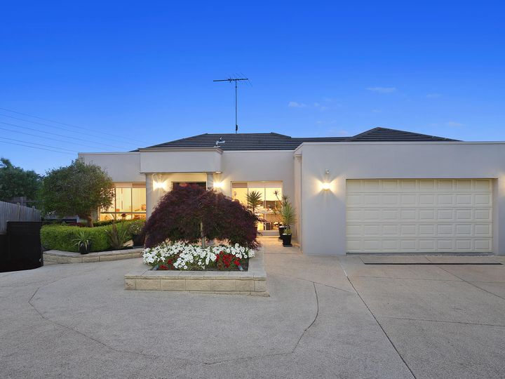 9 Giverny Close, Highton, VIC
