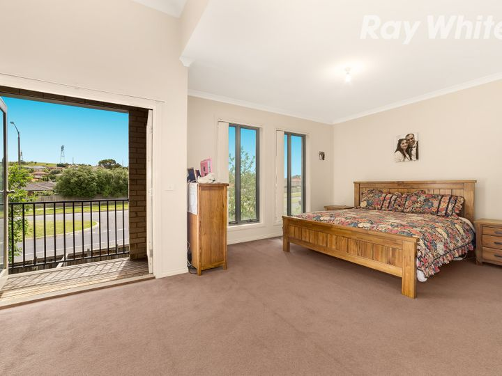 2/65 Pommel Crescent, Epping, VIC