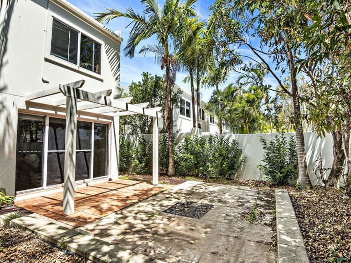 Paros 12/100 Cotlew Street East, Southport, QLD
