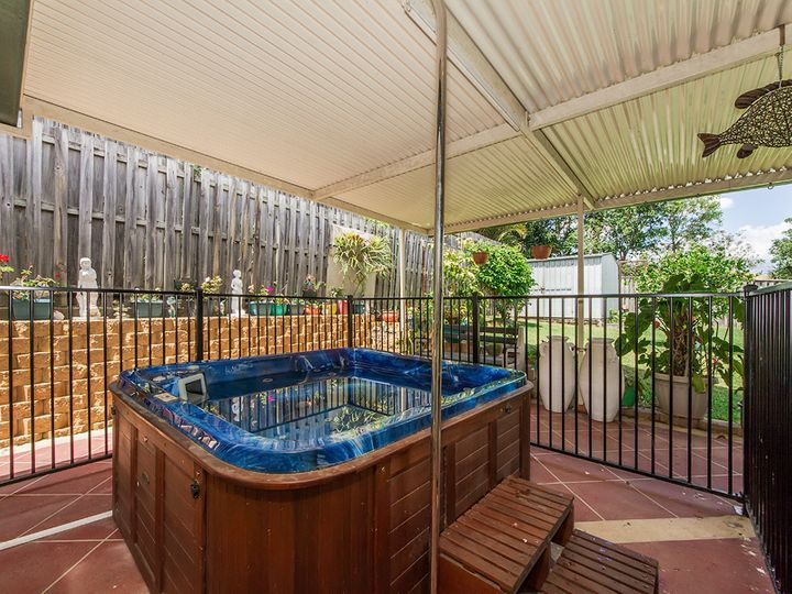 33 Maui Crescent, Oxenford, QLD