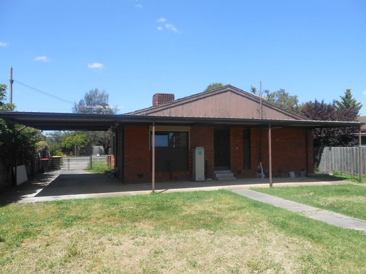 205 Station Road, Melton, VIC