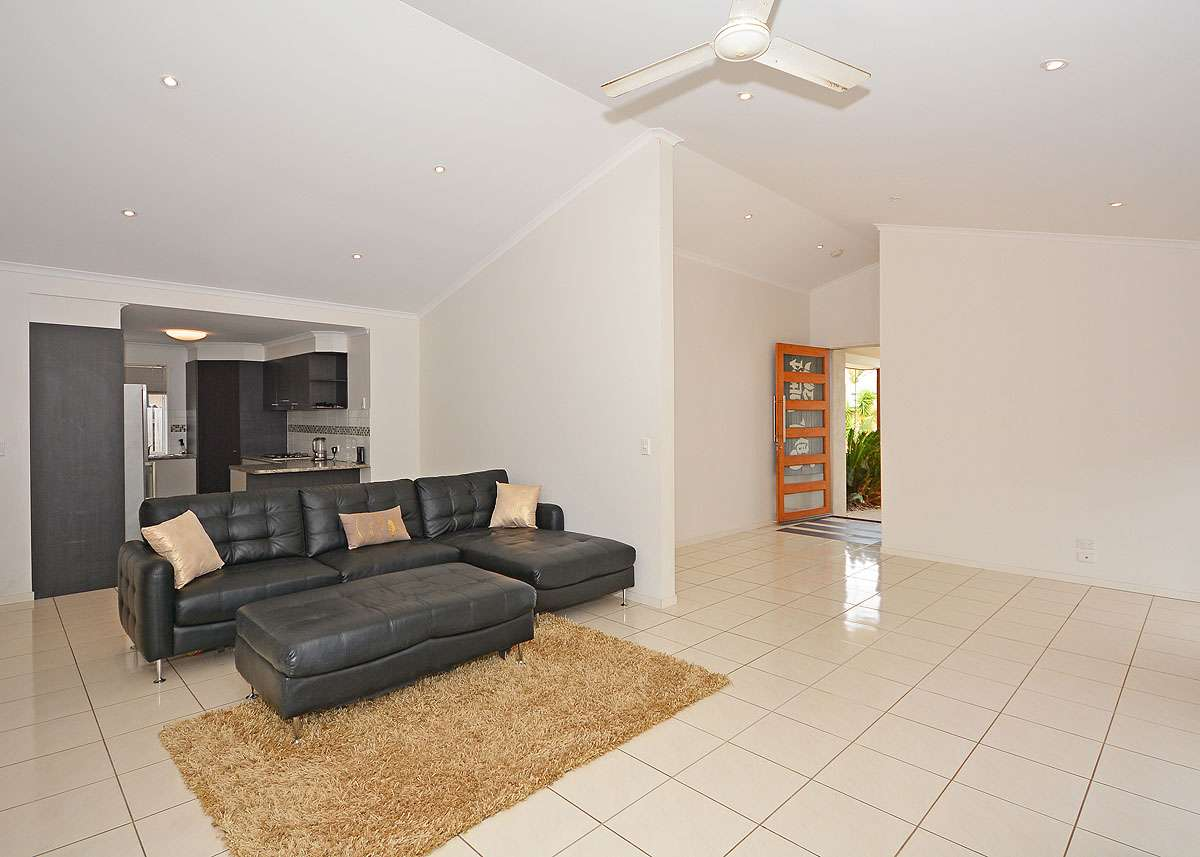 35 Earl St Vincent Circuit, Eli Waters, QLD 4655