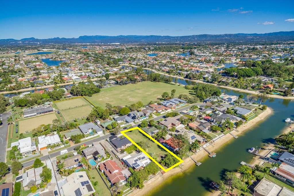 49 Kalimna Drive, Broadbeach Waters, QLD 4218
