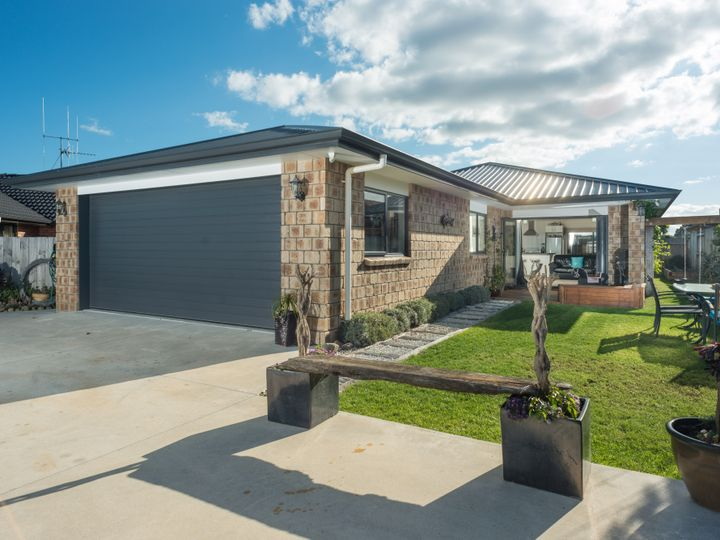 98 Twin Oak Avenue, Papamoa Beach, Tauranga City