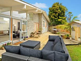 AUCTION THIS THURSDAY 6:00PM IN ROOMS - Glenfield