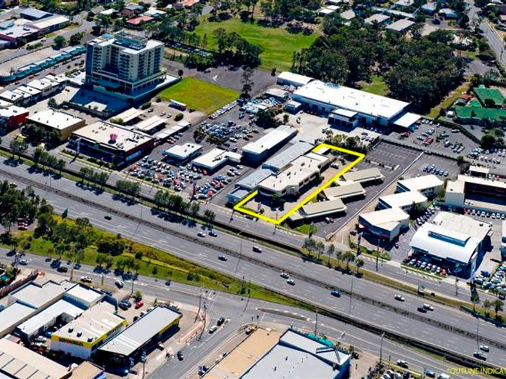 6+7/3368 Pacific Highway, Springwood, QLD