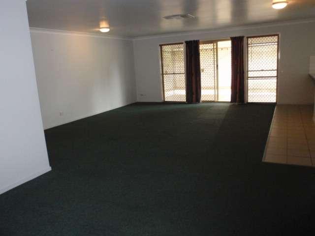 39 Crinum Crescent, Emerald, QLD 4720