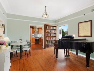 Renovated Classic Brick Cottage - Forestville