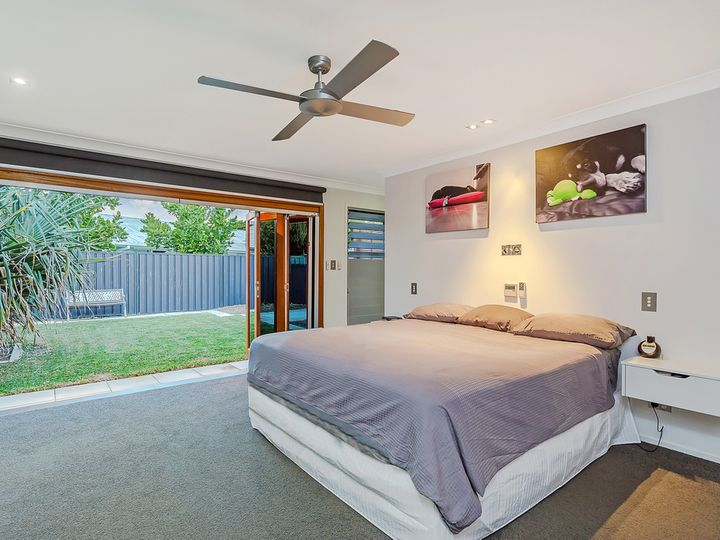 208 Tallebudgera Drive, Palm Beach, QLD
